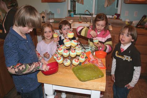 Decoratingcupcakes