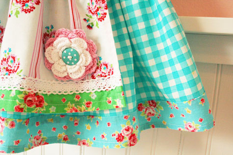 Easterskirt2011_close