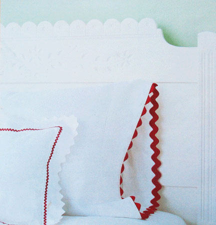 Rickrack-pillowcases1.jpg