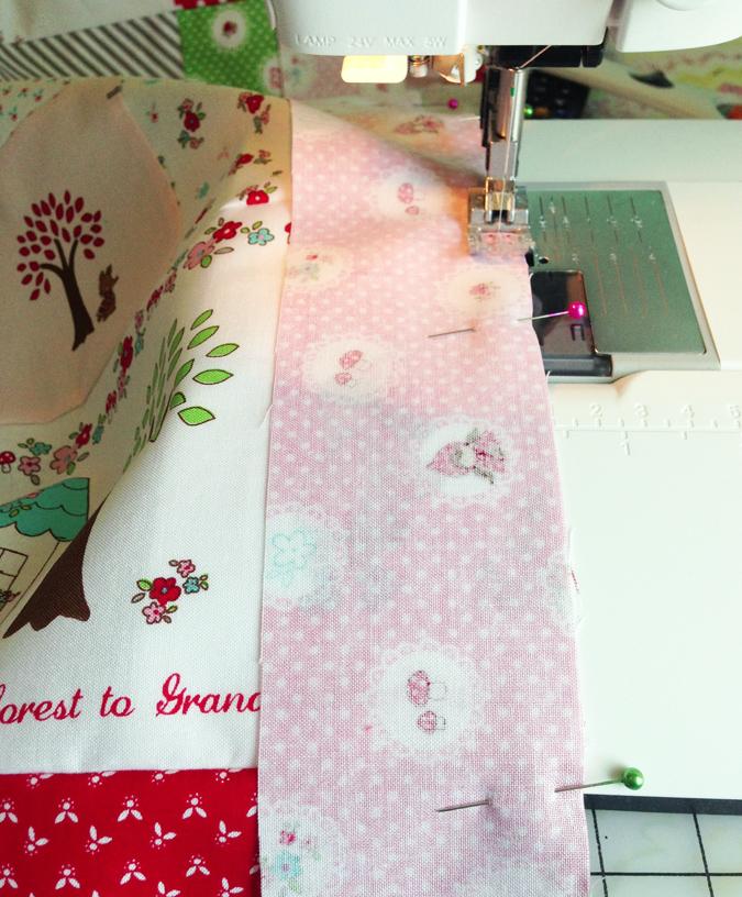 Sewingpinkborder